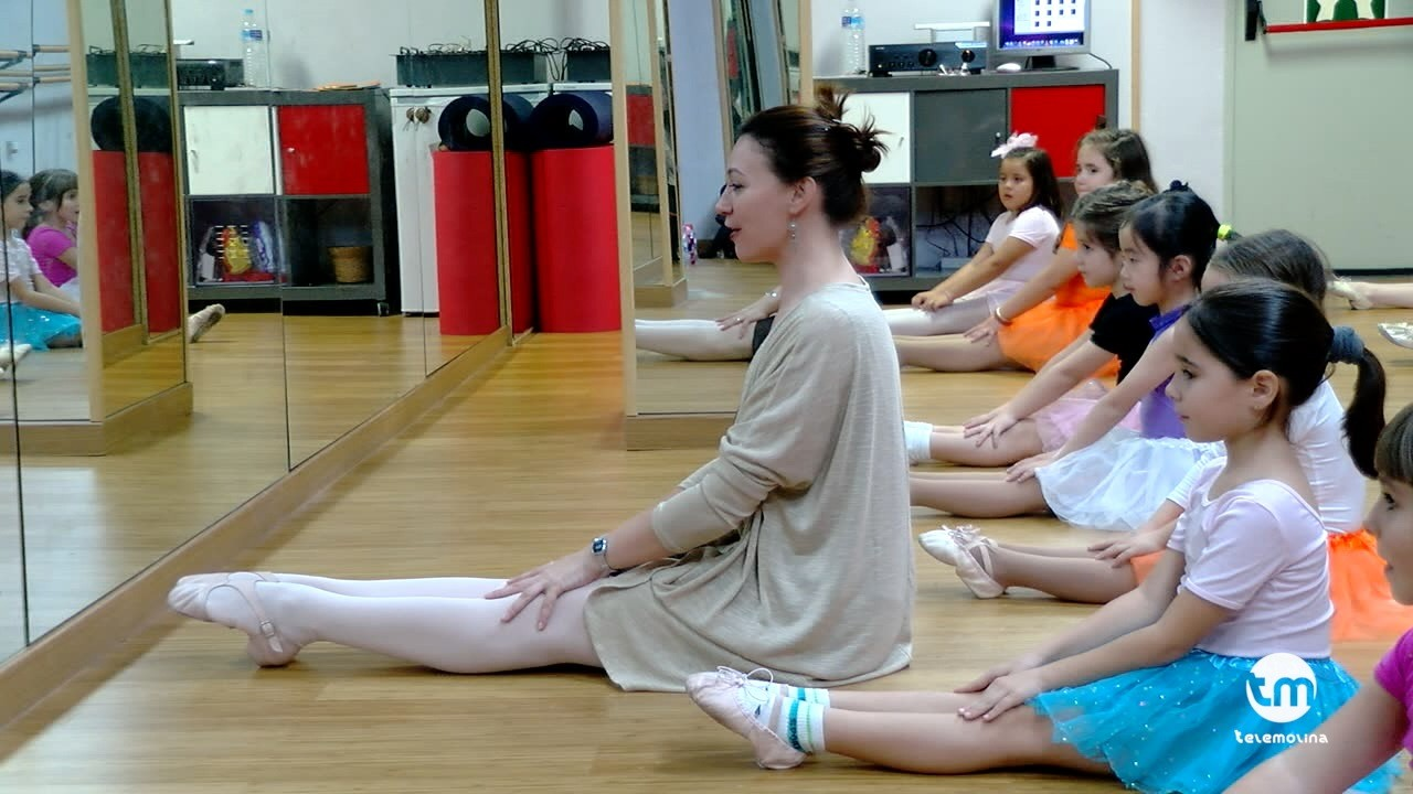 lola ceron academia de danza molina de segura